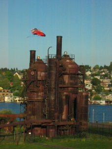 Flying kite at Gasworks Park