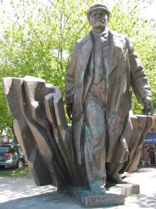 Statue of Lenin in Fremont, WA